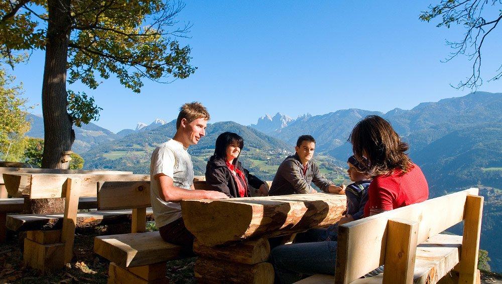 Un idilliaco pascolo alpino con un meraviglioso panorama – la nostra malga